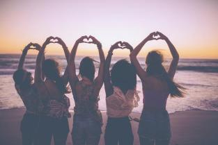 7-reasons-every-woman-should-have-a-circle-of-friends-1.jpg